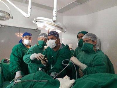 Clínicas realiza el primer trasplante de corazón en su historia