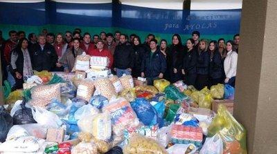 En Ayolas realizan donaciones para afectados