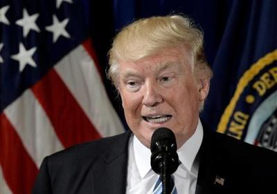 Dos fiscales demandan a Trump