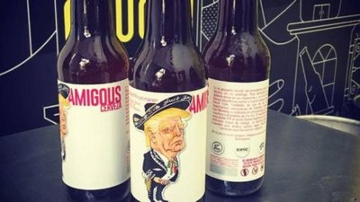Un Trump vestido de mariachi busca Amigous para tomar cerveza mexicana