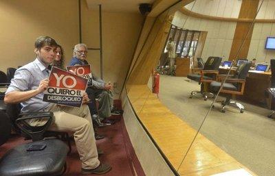 El 68% de los legisladores le temen al desbloqueo