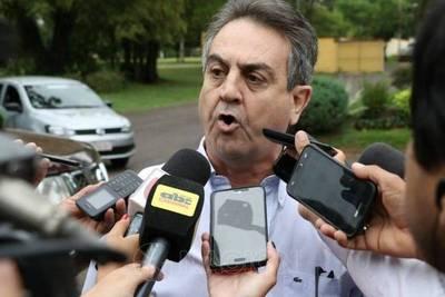 """Lamentan declinación del Pionero y despotrican contra Petta por """"traidor"""""""