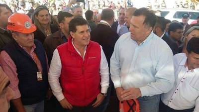 Alto Paraná: Cartes recorre obras que beneficiarán a 42.000 paraguayos