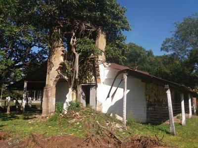 Depende de Hacienda que se pueda salvar al antiguo templo de Yabebyry