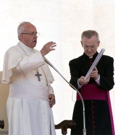Papa pide a nuevos cardenales que combatan la injusticia