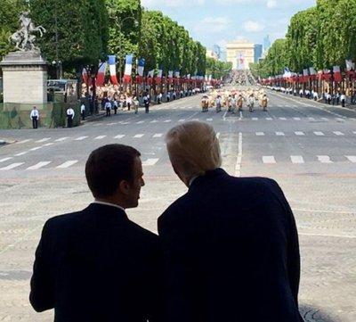 El apretón de manos de 25 segundos entre Trump y Macron