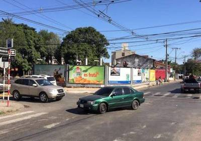 Asunción, con polución visual porque Mario es flojo con anunciantes