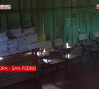 Padres suspenden clases por falencias en escuela de San Pedro