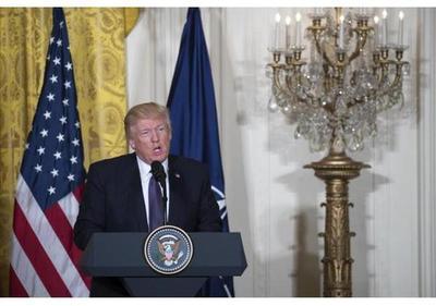 Trump rechaza caos en Casa Blanca