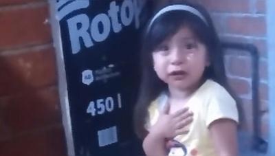 [VÍDEO]Así reacciona una niña cuando su padre le quita la tablet
