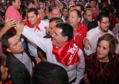 """Ciudadanía aplaude veto de Cartes: """"Golpazo para triple alianza Marito-Efraín-Lugo"""""""