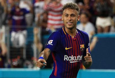 Neymar aportaría algo más que trofeos al club francés PSG