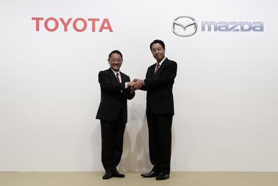 Plan de juego de Toyota: robots, fusiones y vehículos autónomos