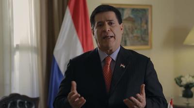 El presidente Cartes afirma que no le correrán con palos