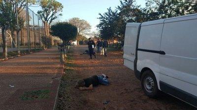 Dos heridos en tiroteo entre policías y ladrones