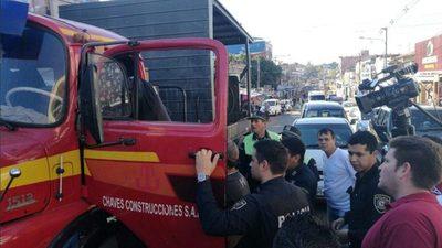 Camionero amenazó a vendedores con arma de juguete