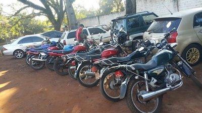 Incautan motocicletas y vehículos en Alto Paraná
