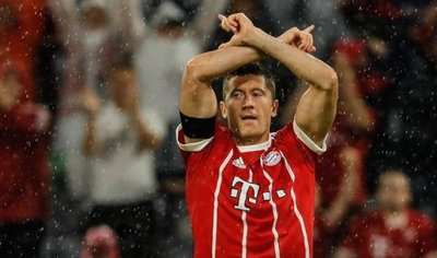 El Bayern Múnich arranca con triunfo y la aportación del VAR