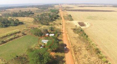 Escuelas rurales cierran por invasión de cultivos de soja