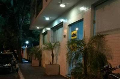 """""""Patota"""" atacó a funcionarios de un medio impreso mientras esperaban colectivo"""