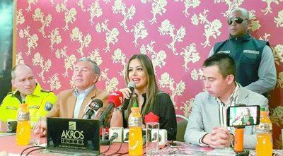 Lari Riquelme paralizó a los ECUATORIANOS