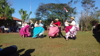 Instituciones educativas del país celebraron el Día del Folclore
