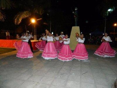 Con serenata, Puerto Casado celebra aniversario de fundación