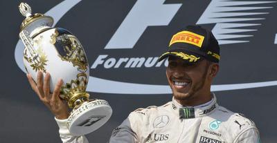 Hamilton gana el GP de Italia y es líder en la F1