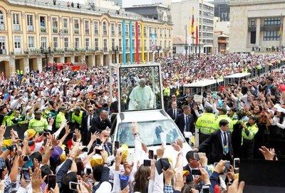 El Papa clama por paz  y pide huir de la tentación de venganza