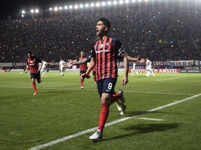 San Lorenzo derrota a Lanús y saca buena ventaja