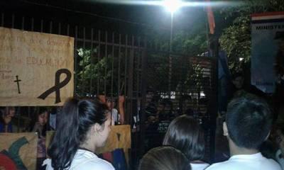 Si no sucede en Asunción no es noticia, según Unepy