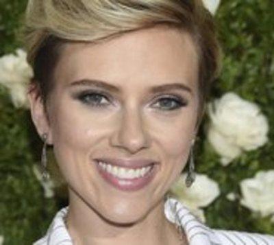 Scarlett Johansson está divorciada
