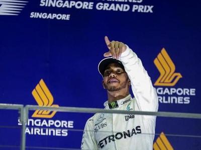 Lewis Hamilton triunfa en el GP de Singapur