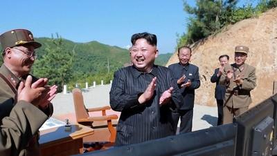 """Kim Jong-un quiere """"un equilibrio real de fuerza"""" con Estados Unidos"""