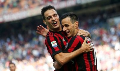 Napoli arrolla a Benevento y Milan supera al Udinese