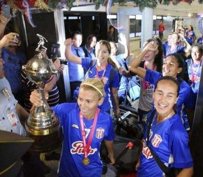 Once clubes desean acabar con el reinado de Limpeño