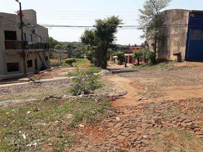 Conflicto entre vecinos de CDE por desbloqueo y mejoramiento del tramo