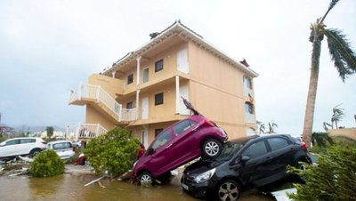 Temen ingreso de autos dañados por huracanes