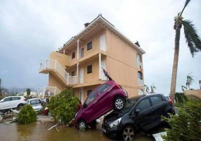 Vehículos 'en pérdida total' por huracanes podrían llegar al país, alertan
