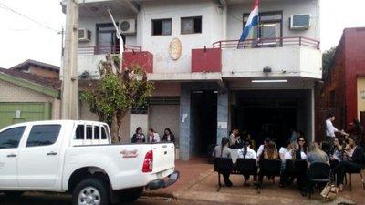 Itapúa: Funcionarios de la Fiscalía en huelga