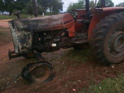 Otro ataque con quema de tractores en San Pedro