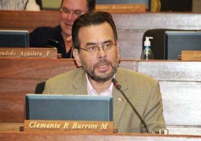 """Diputado justifica millonario patrimonio: """"Como abogado gané buena plata"""""""