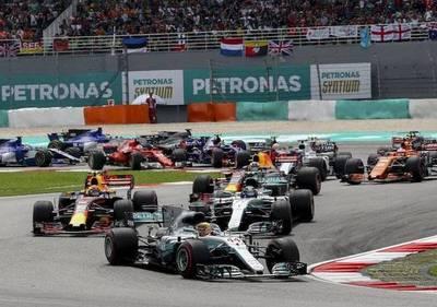 Red Bull y Ferrari amenazan a Mercedes