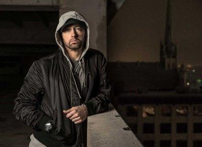 """Eminem arremete contra el """"racista"""" Trump"""