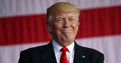Trump de nuevo contra la prensa