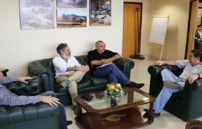 Leo Rubín pide respaldo a Blas Llano