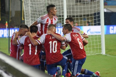 Paraguay mide a Turquía en busca del primer puesto en su grupo