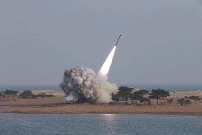 Norcorea amenaza con hacer llover fuego sobre EEUU