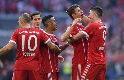 Bayern celebra regreso de Heynckes con goleada
