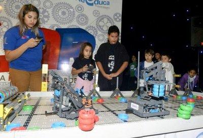 Asunción realiza feria de inventores del mundo